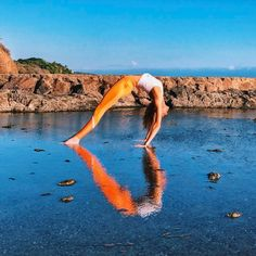 @gypsetgoddess rocking the Vixen Crop & Elevate Legging ❤️ #aloyoga #beagoddess