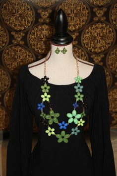 Big & Bold Statement Necklace - wear it with solid colors for that big pop in color - Find it at http://www.facebook.com/armcandyauctions