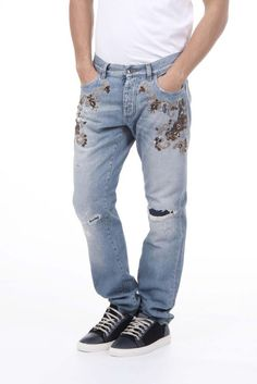 Dolce & Gabbana Men's Embroidered Jeans #DolceGabbana #Relaxed