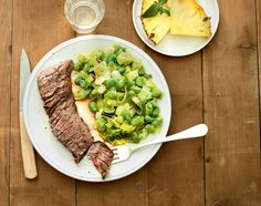 4 jours à 23 unités SmartPoints® | WW France Menu Weight Watchers, Weight Watchers Smart Points, Asparagus, Risotto, Good Food, Food And Drink, Beef, Vegetables, Healthy
