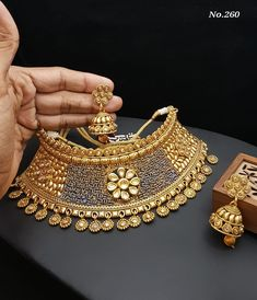 Order Dulhan Jewellery Set Designs via Whatsapp on Our fashion magazine personal shoppers helps you get the stylish look for you. Wedding Jewellery Designs, Antique Jewellery Designs, Fancy Jewellery, Gold Earrings Designs, Gold Jewellery Design, Stylish Jewelry, Necklace Designs, Fashion Jewelry, Gold Jewelry