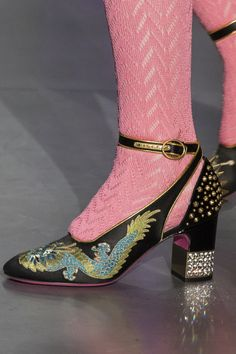 Gucci Fall 2017 Fashion Show Details - The Impression