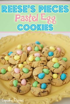 Reese's Pieces Pastel Egg Cookies from Cupcake Diaries - These are SO good and really bright and fun for Easter! yummy n sooooo cute n festive Mini Eggs Cookies, Easter Cookies, Summer Cookies, Valentine Cookies, Birthday Cookies, Christmas Cookies, Cupcakes, Cupcake Cookies, Cookie Favors