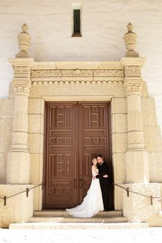 santa barbara courthouse wedding, photo by kristin renee  http://santabarbaracourthouseweddings.net