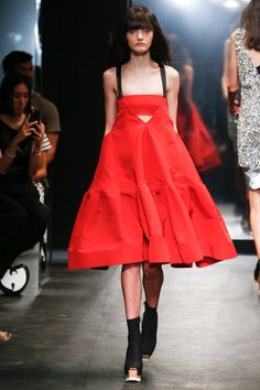 Vera Wang Spring 2016 Ready-to-Wear Collection - Vogue