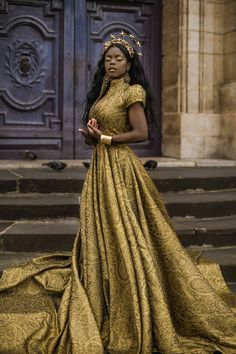 See The Jaw Dropping Editorial By Fantasy Photography Lillian Lui Titled 'Golden Goddess' Photography See The Jaw Dropping Editorial By Fantasy Photography Lillian Lui Titled 'Golden Goddess' Beauty And Fashion, High Fashion, Pretty Dresses, Beautiful Dresses, Golden Goddess, Black Goddess, Black Girl Aesthetic, Queen Aesthetic, Fantasy Photography
