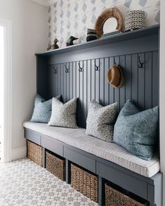 Amidst the holiday craziness, we can always find some peace in a neat and tidy home. even if it's just a small corner 😉… Home Design, Interior Design Trends, Mug Design, Mudroom Laundry Room, Interior Work, Inspiration Design, Vestibule, Neat And Tidy, Home Renovation