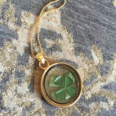 """NEW FLOATING DRIED CLOVER 14K GP PENDANT NECKLAC PERFECT FOR ST PATRICKS DAY14K GOLD PLATED 24"""" chain. 1.5"""" pendant drop with dried clover leafs inside glass. NO TRADES ❌QUESTIONS FROM NON SERIOUS BUYERS DO NOT BUNDLE UNLESS YOU INTEND TO BUY ✂️DO NOT LOWBALL ⛔️NO PRICE COMMENTS ⁉️PRICE IS FIRM AND REFLECTED ON FEES AND COST Boutique Jewelry Necklaces"""