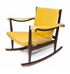 Cadeira de Balanço / Rocking Chair. Design by Joaquim Tenreiro, 1947. Site: www.espasso.com