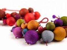 Paper Jewelry by Ana Hagopian. Paper Bead Jewelry, Paper Earrings, Paper Beads, Jewelry Art, Beaded Jewelry, Jewelry Design, Craft Jewellery, Handmade Jewellery, Bead Crafts