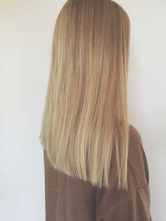 #hair #hairstyle #haar #girl #tumblr #straight hair #blond #medium hair
