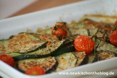 Überbackene Zucchini mit Auberginen und Kirschtomaten