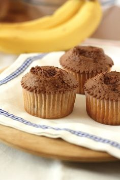 A recipe for Banana & Chocolate cupcakes from the Hummingbird Bakery in London.