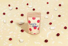 Leni's Bars, Bites und Granola sind zu 100% handgemachte Müslisnacks aus natürlichen Zutaten. Bei Leni's dreht sich alles um das Gefühl der Freude. Freude, die von der Produktion bis zum Genuss der Müslisnacks reicht. Sie macht Leni's anfassbar, persönlich und verbindet die Marke emotional mit ihren Kunden. Das Logo bringt all das mithilfe eines verspielten [...]