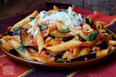 Penne a la Norma Vegetarian Recipes, Healthy Recipes, Healthy Food, Penne, Japchae, Ricotta, Mozzarella, Thai Red Curry, Good Food