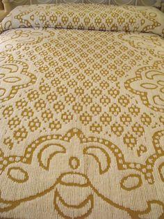 "Chenille Bedspread MIP NEW Dark Gold White Floral Splendor 94""x104"" Dbl Full NOS"