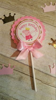 Pink and gold party Peppa pig (inspired)theme party,Peppa Pig and George,Peppa pig popcorn boxes,This price Is For A Single Cupcake Topper Pink and gold party Peppa pig inspiredtheme by HeidiPartyCreations 3rd Birthday Parties, Birthday Party Decorations, 2nd Birthday, Party Themes, Invitacion Peppa Pig, Cumple Peppa Pig, Peppa Pig Y George, Peppa Pig Birthday Invitations, Wedding Invitations