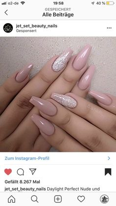 Trendy Coffin Nails Design Ideas - The Glossychic How about some chic and trendy coffin nail designs to inspire you? SEE DETAILS Summer Acrylic Nails, Best Acrylic Nails, Acrylic Nail Designs, Hair And Nails, My Nails, Diva Nails, Crome Nails, Clean Nails, Fancy Nails