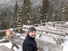 Piatra Craiului mountains in winter, coffee break