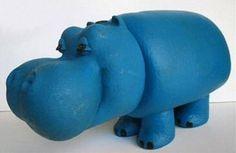 Pippo,creato da Santo Alligo, design Armando Testa. Fa la sua comparsa al Carosello nel 1966 come mascotte per la pubblicita' dei pannolini Lines .