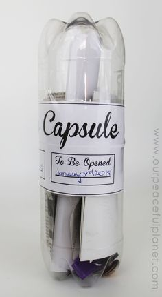 Make fun family time capsules using plastic soda bottles and our free printables! We give you labels and ideas for other items to add into your capsule. - linked up at DIY Crush Craft Party http://www.diy-crush.com