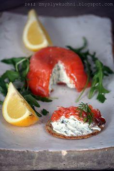 zuccotto di #salmone affumicato ripieno di formaggio fresco aromatizzato al #finocchietto! perfetto abbinato a crostini integrali, per un aperitivo sfizioso ;)