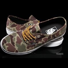 Mens camo Vans classics Only worn a handful of times in great condition!! Yellow and brown laces and camo design on shoe with white sole. Vans Shoes Sneakers