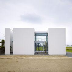 House in Masaki by Hayato Komatsu Architects
