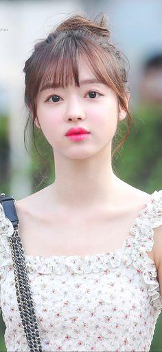 Oh My Girl Yooa, Brunette Beauty, Kpop