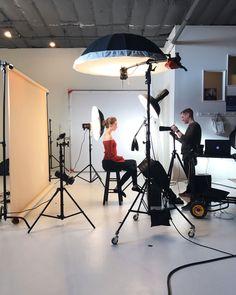 Photography Studio Setup, Photography Lighting Setup, Improve Photography, Photography Office, Lighting Setups, Photography Tools, Light Photography, Loft Studio, Dream Studio
