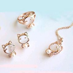 Golden Cat Pendant Necklace, Ring and Earrings Set