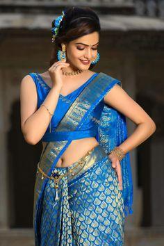 Simran Sharma in wedding saree by Sithara Silks #simransharma #southindianmodel #weddingsaree #sareenavel #navel South Indian Actress in Saree Photograph कौन है बर्बरीक? | MAHABHARAT STORIES | B. R. CHOPRA | EP – 95 | YOUTUBE.COM/WATCH?V=QQ5DKARMSGW #EDUCRATSWEB