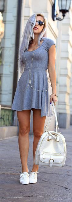I need this dress!!!! Jersey Dress & Sneakers with a cute bag. Fashion Cafe