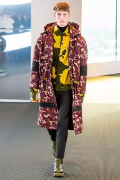 Carol Lim and Humberto Leon unveiled their Fall/Winter 2015 collection for Kenzo during Paris Fashion Week. Kids Fashion, Fashion Show, Autumn Fashion, Men's Fashion, Paris Fashion, Runway Fashion, Kenzo, Mens Raincoat, Mens Fall
