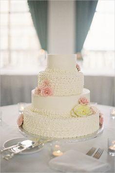 wedding cake; Clary Photo