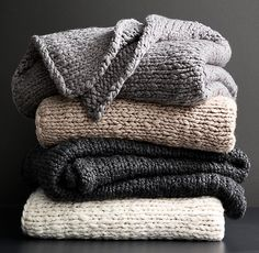 Chunky Hand-Knit Oversized Bed Throw