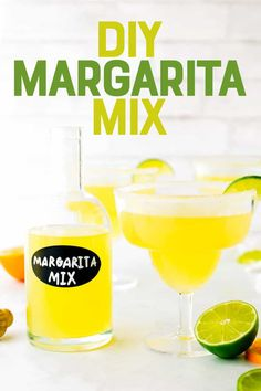 Homemade Margarita Mix makes whipping up your favorite cocktail a breeze! You only need 6 ingredients, and it comes together in about 4 minutes. Homemade Margarita Mix, Homemade Margaritas, How To Make Margaritas, Jello Recipes, Banana Recipes, Breakfast Dessert, Dessert For Dinner, Winter Drinks, Summer Drinks