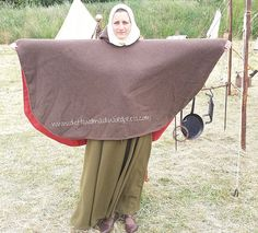 Warm bleiben im Mittelalter – die Cappa Medieval Dress, Medieval Clothing, Character Outfits, Narnia, Larp, Vikings, Baby Strollers, Ballet Skirt, Costumes