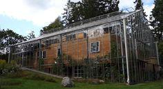 Vernuftige Zweedse architect bouwt een kas om een huis