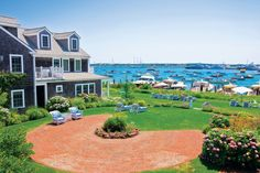See White Elephant Nantucket Island, a beautiful Cape Cod and Islands Waterfront wedding venue. Find prices, detailed info, and photos for Massachusetts… Nantucket Beach, Nantucket Island, Nantucket Style, Seaside, Vacation Places, Vacation Destinations, Dream Vacations, White Elephant Nantucket, Lugares