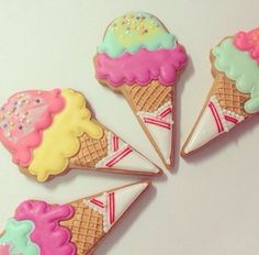 Find images and videos about cute, yummy and sweets on We Heart It - the app to get lost in what you love. Fondant Cookies, Galletas Cookies, Cupcakes, Cupcake Cookies, Kawaii Cookies, Cute Cookies, Ice Cream Cookies, Iced Cookies, Summer Cookies