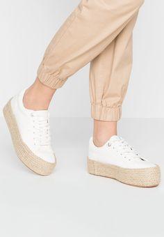 0a118956366ac1 Bottines pour Femme MTNG 52840 LODIZ NEGRO Taille 36 - Chaussures mtng  (*Partner-Link) | Chaussures Mtng | Bottines femme, Chaussure et Bottines
