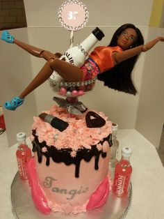 The first drunken Barbie cake lead to an order for a smaller cake by another friend. Birthday Cake Wine, 21st Bday Cake, 19th Birthday Cakes, Birthday Cakes For Teens, Pretty Birthday Cakes, Birthday Cupcakes, Barbie Torte, Bolo Barbie, Barbie Cake
