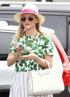 Reese Witherspoon Ready Welcoming Spring