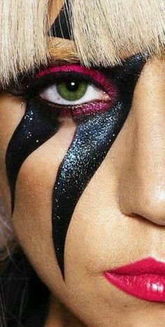 Beautiful Eyes, Beautiful People, Lady Gaga Makeup, Lady Gaga The Fame, The Fame Monster, Lady Gaga Pictures, Halloween Queen, Crazy Outfits, Song Artists