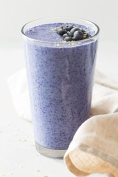 A Blue Smoothie made with Butterfly Pea Tea Powder. Yummy bananas, nutritious hemp seeds, almond milk and tea powder is all you need for this amazing blue-colored smoothie! #smoothie #bluesmoothie #butterflypeateapowder