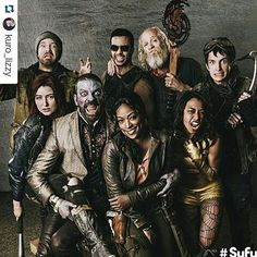 I love Z Nation even though it's so fucking random. I'm still trying to find out why the fuck Murphy turned blue? And why 10k is so hot. I only know 1 person who is watching this too haha if you like The Walking Dead you should give this a try but I warn you: This shit gets more fucked up every episode. #znation