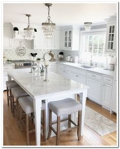 45 Rustic Farmhouse Interior Designs In Your Home 38 - Farmhouse Decoration Rustic Home Interiors, Farmhouse Interior, Rustic Farmhouse, Home Decor Kitchen, Interior Design Kitchen, New Kitchen, Kitchen Ideas, Kitchen Counters, Kitchen Tables