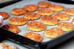 Bacon and Cheese Biscuits.because who doesnt love bacon and cheese? Avocado Recipes, Lunch Recipes, Cooking Recipes, Cheese Recipes, Seafood Recipes, Cake Recipes, Cheese Biscuits, Salty Foods, Galette