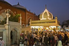 Seen Enough Monuments? Here are 12 Unusual Things to Do in Delhi: Listen to Qawwalis at Nizamuddin Dargah Stuff To Do, Things To Do, New Delhi, Delhi Ncr, Delhi India, Historical Monuments, Unusual Things, India Travel, Lonely Planet